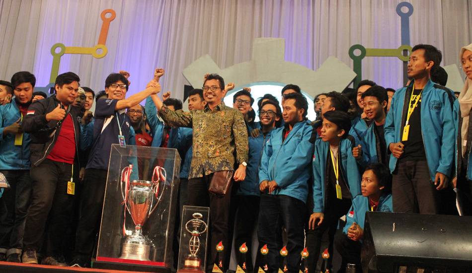 ITS Juara Umum Kontes Robot Indonesia 2018