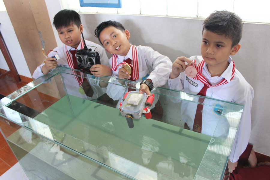 Robot SDM 4 Pucang Juara International Islamic School Robotic Olympiad