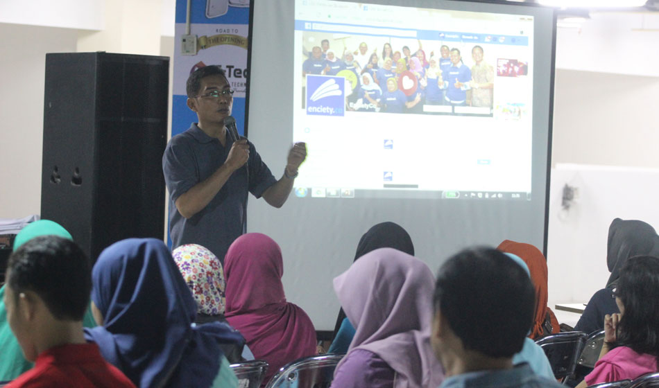Wow, Facebook Ajari UKM Surabaya Digital Marketing