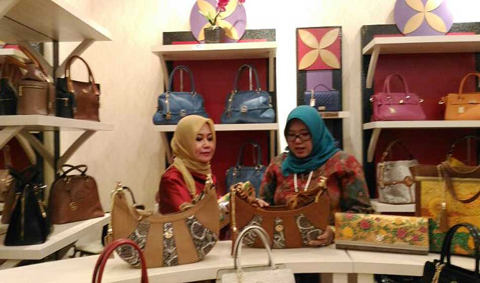 Wakili Indonesia, Huraira Leather Bag Bersiap ke Moscow